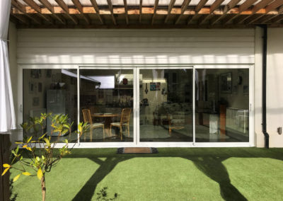 White Aluminium Sliding Doors