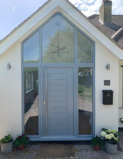 Light Grey Solidor With Raked Frame & Side Panels