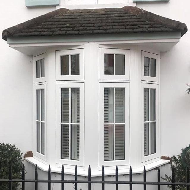 R9 Bay Window